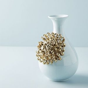 Anthropologie Ceramic Bloom vase - Orchid